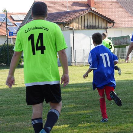 Cabrini-Fußball für MitarbeiterInnen und SchülerInnen